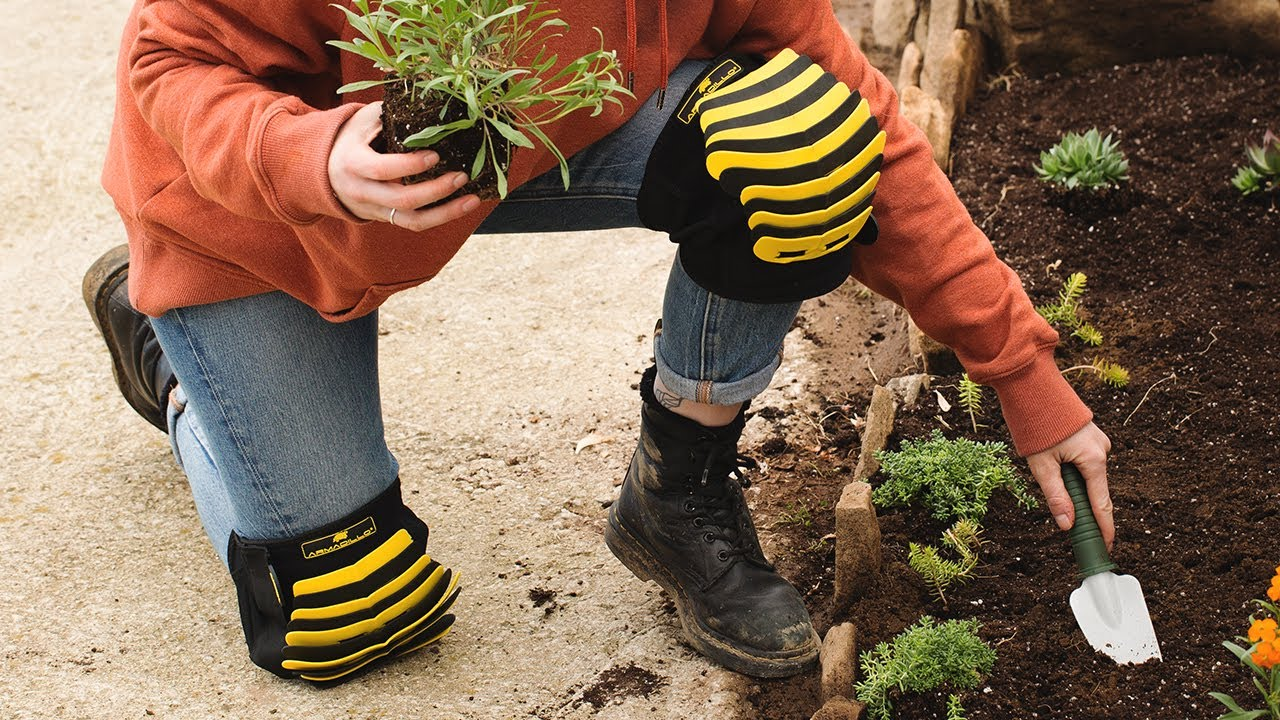 Best Gardening Knee Pads and Kneelers - Grow My Own Health Food